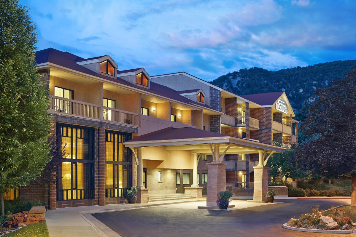 Top Colorado Hot Springs Lodging